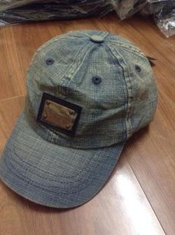 Ảnh số 1: Mũ Bò DolceGabbana - Giá: 250.000