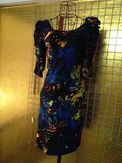 Ảnh số 79: Váy size L, họa tiết lạ mắt, vai đính nơ, mặc gọn người, chất thun co giãn, tay lửng - 150k - Giá: 150.000