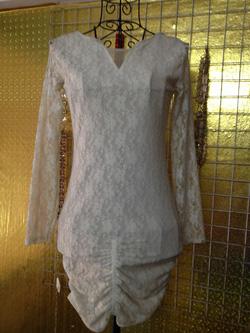 Ảnh số 72: Váy ren trắng dài tay, khoét lưng, mặc rất gợi cảm - 220k - Giá: 220.000