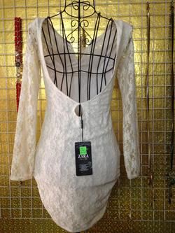Ảnh số 74: Váy ren trắng dài tay, khoét lưng, mặc rất gợi cảm - 220k - Giá: 220.000