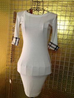 Ảnh số 86: Váy trắng chất cotton co giãn, tay lửng xắn Burberry, size S - 180k - Giá: 180.000