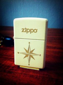Ảnh số 19: Star Compass Zippo Lighter - Giá: 650.000