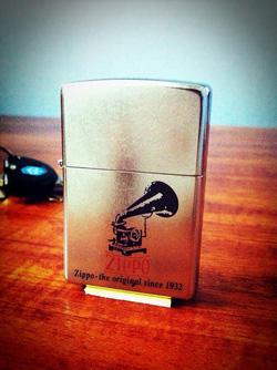 Ảnh số 16: Phonograph Zippo Lighter - Giá: 650.000