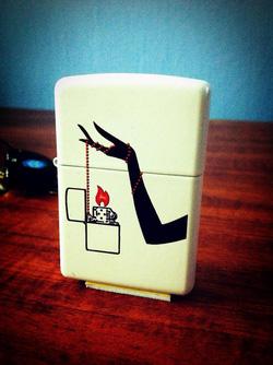 Ảnh số 15: Vintage Hand Zippo Lighter - Giá: 650.000