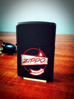 Ảnh số 14: Zippo lighter Vintage Sign - Giá: 650.000