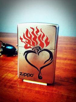 Ảnh số 13: Tribal Heart Zippo Lighter - Giá: 650.000