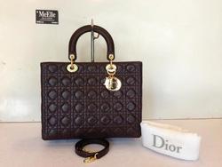 Ảnh số 22: MS TG26 : Túi Lady Dior màu nâu Socola, size Large, mới 98%, khóa vàng vẫn còn rất mới. - Giá: 1.000