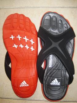 Ảnh số 98: Dép bàn chân Adidas - Giá: 290.000