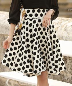 Ảnh số 1: Chân váy chấm bi Hàn Quốc 25078 - Giá: 1.750.000