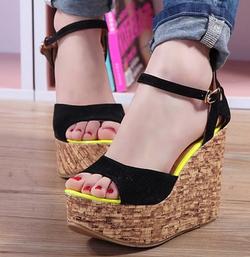 Ảnh số 3: sandal đế xuồng - Giá: 300.000