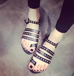 Ảnh số 35: Giày sandals chiến binh đinh tán - Giá: 220.000