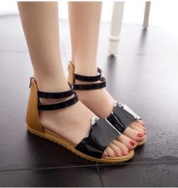 Ảnh số 31: Giày sandals hở mũi da bóng - Giá: 220.000