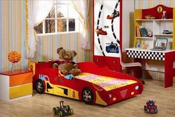 Giường trẻ em hình oto