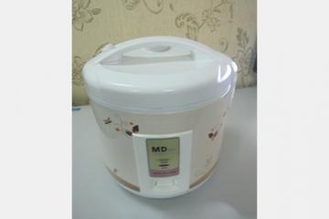 Nồi cơm điện MD 999 với dung tích 1.8 lít