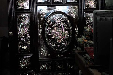 Bán tủ thờ xưa cẩn ốc xà cừ rất đẹp, đồ gia bảo nhiều đời